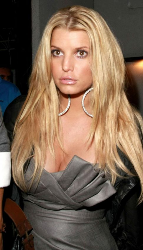 Jessica Simpson Worth $400 Million Dollars, What the What?
