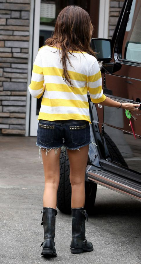 Ashley Tisdale Fail, No Customer Parking