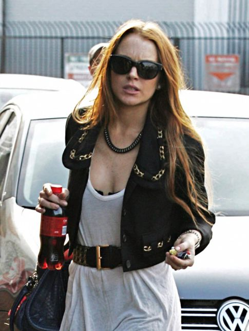 Where Have All of Lindsay Lohan's Curves Gone?