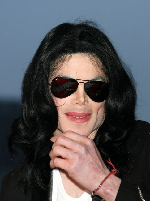 Michael Jackson's Family Seeks Second Autopsy, Live-In Doctor Found and Questioned