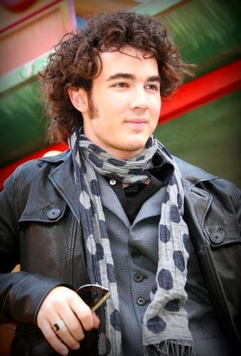 Kevin Jonas Makes a Stupid Move and Gets Engaged to Long-Time Girlfriend