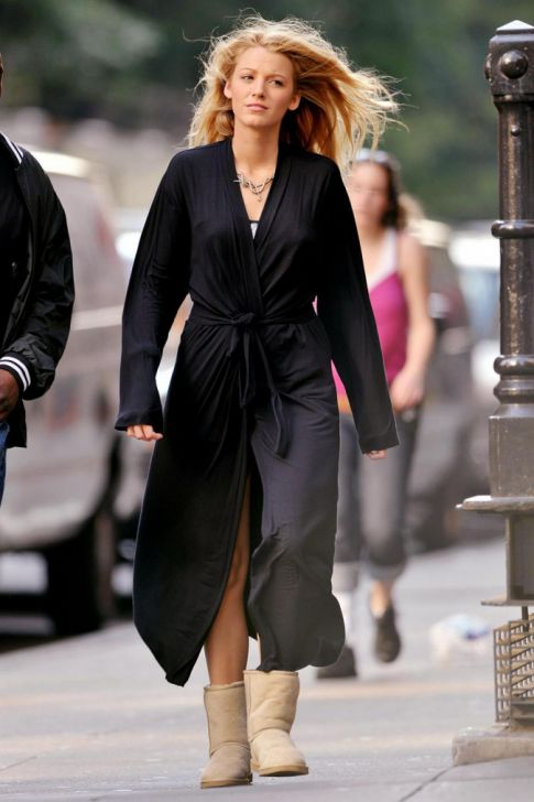 Blake Lively Robes It Up On Set