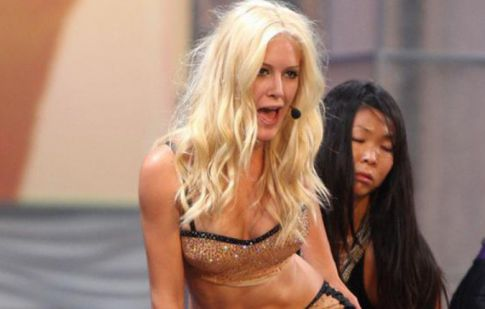 Heidi Montag Takes Notes From Britney, Fails to Impress at Miss Universe