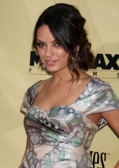 Mila Kunis & Natalie Portman Rumored Girl-On-Girl Sex Scene
