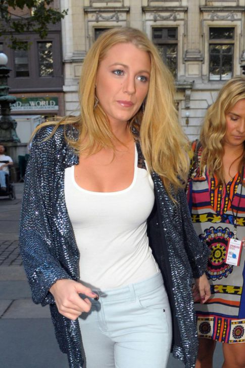 Blake Lively Rocks the Tight, White Tank Top---What Did YOU Think of the 'Gossip Girl' Season Premiere?