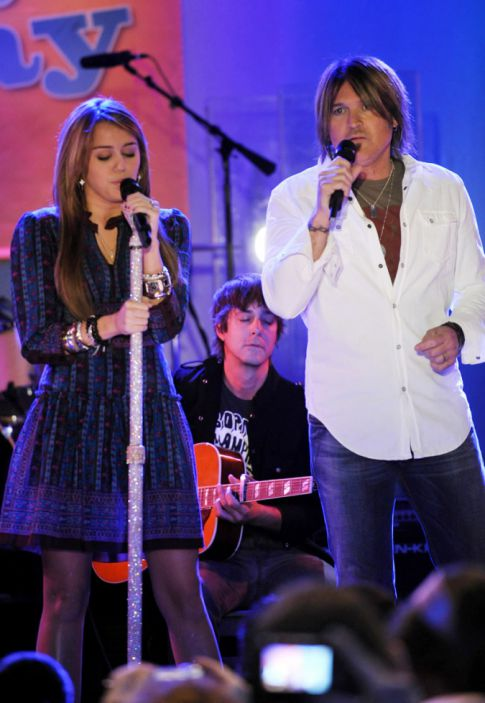 Creepy Dad Alert: Billy Ray Cyrus Jealous Over Miley Cyrus's Boyfriend?