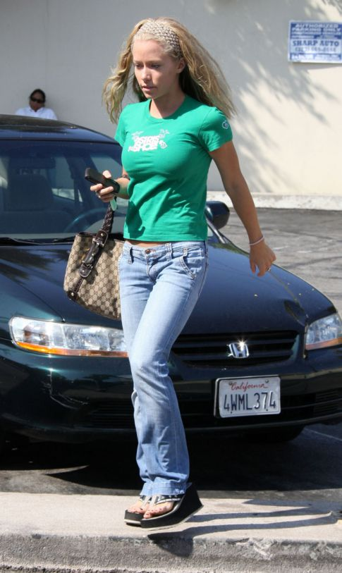 Kendra Wilkinson in West Hollywood Sans Wrinkly Old Man