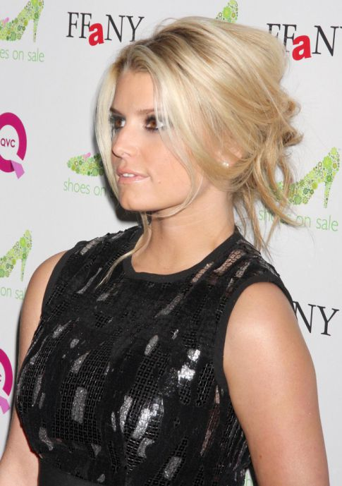 FOX and NFL Mock Jessica Simpson, Burger King Apologizes?