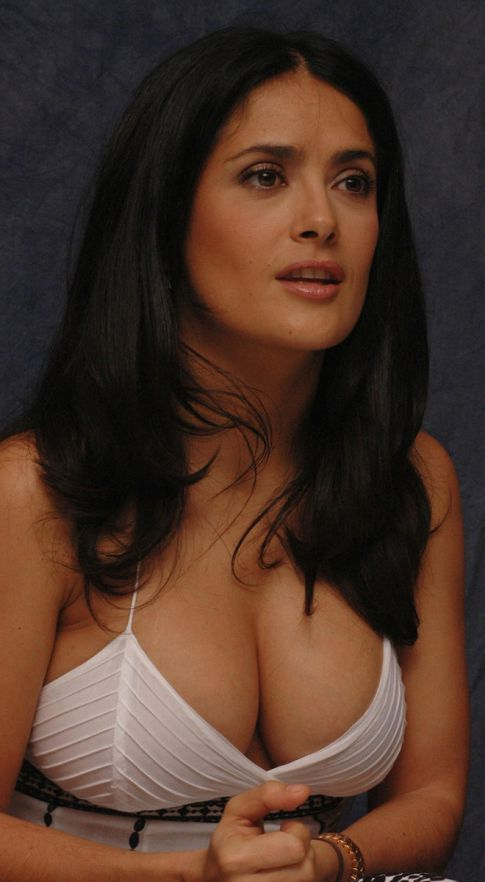 Salma Hayek Wins 'Best Body' Award, Claims It's All An Act---Say Whaaa??!