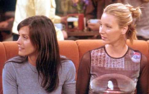 EXCLUSIVE!: Lisa Kudrow Is Heading To 'Cougartown'!