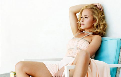 Hayden Panettiere Spreads 'Em For 'ELLE' Magazine