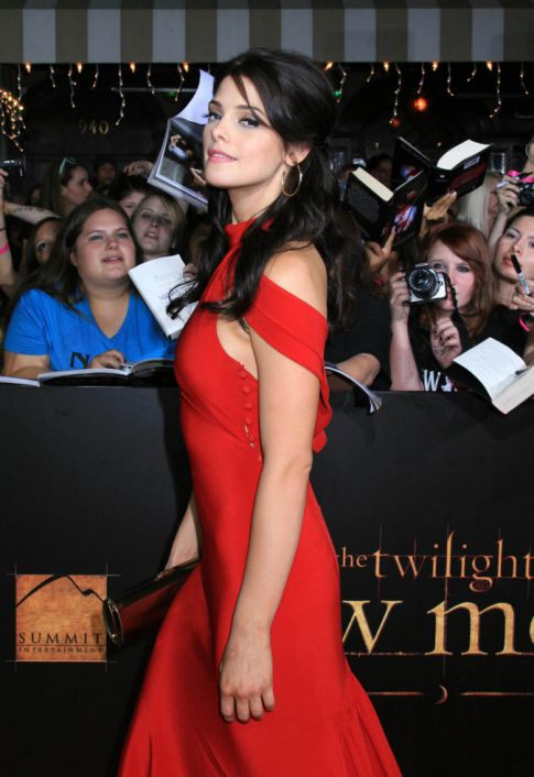 Ashley Greene Is Red Hot For 'Twilight Saga: New Moon' Premiere