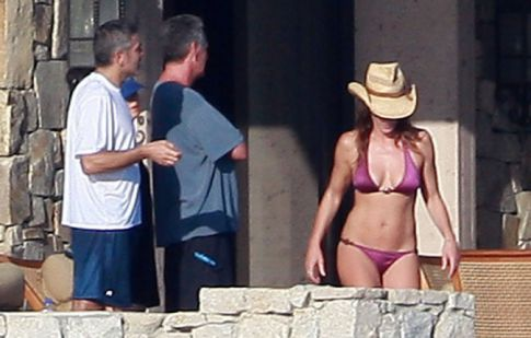 Cindy Crawford & Hubby Shack Up With George Clooney And Girlfriend, Elisabetta Canalis In Los Cabos