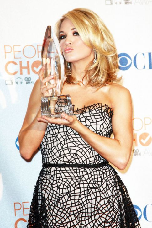 People's Choice Awards: Carrie Underwood Post Engagement
