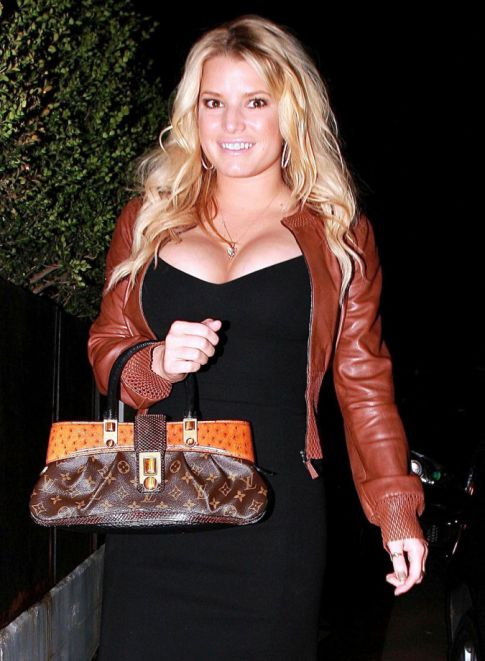 Jessica Simpson's Cleavage Is Seriously Up & Back In Action
