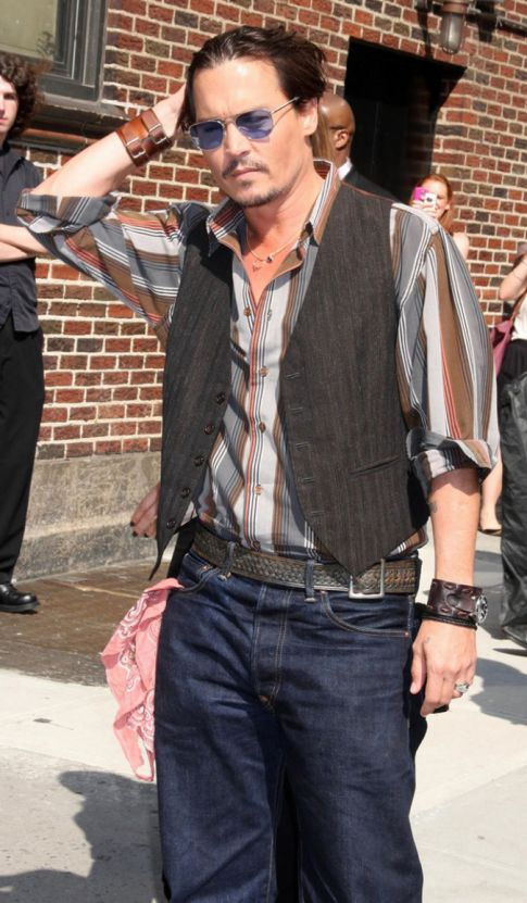 Johnny Depp Stands Up For Roman Polanski ::Enter Confusion::
