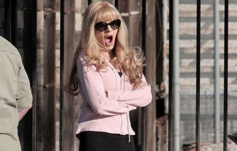 Christina Aguilera's Got Some Camel Toe On The Set Of 'Burlesque'