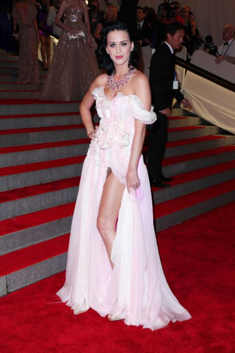 Katy Perry Lights Up The Metropolitan Costume Gala