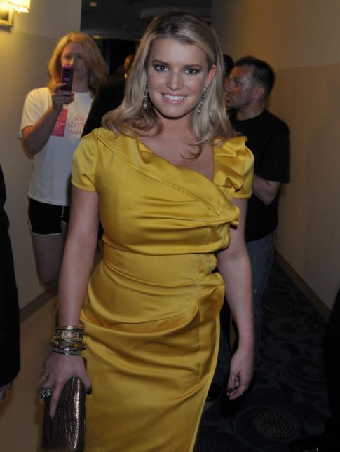 Jessica Simpson's Run In With Ex Tony Romo & New Girlfriend