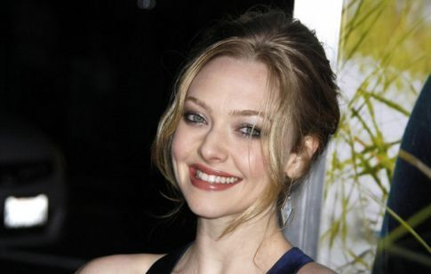 Amanda Seyfried's Foot Is A Vagina