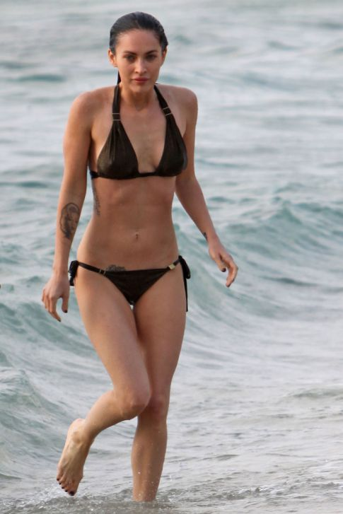 Megan Fox Showcases Washboard Abs In Memorial Day Bikini