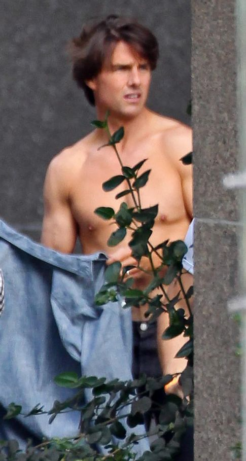 Tom Cruise Looking Good Shirtless...Yes, I Said It