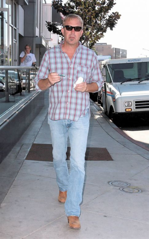 Kevin Costner Loves Ice Cream