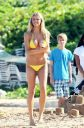 Brooklyn Decker Says She's Fat In The Modeling World...She Looks Perfect To Us!