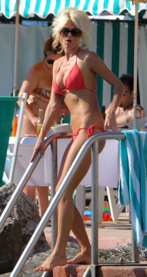 Your Weekly Bikini's: Victoria Silvstedt