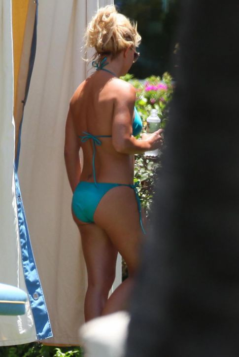 Britney Spears Bikini Watch: Baby Blue