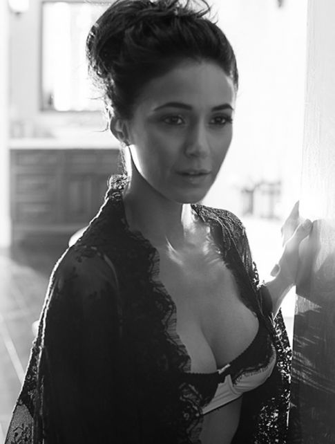 Emmanuelle Chriqui Just Because She's Stunning