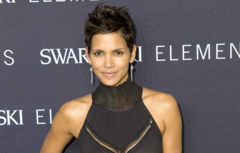 Halle Berry's See Through Dress For Some Afternoon Delight