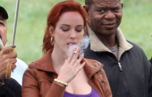 Christina Hendricks Disappoints Us By Smoking, But She's Still Got It