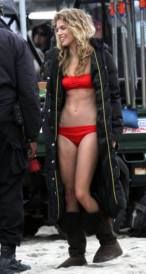 AnnaLynne McCord Needs A Cheeseburger...Or Five