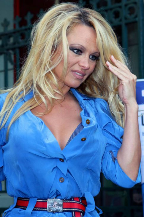 Pamela Anderson Stripping Down For 'Playboy' Magazine