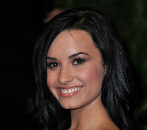 Disney Star Demi Lovato Checks Into Rehab