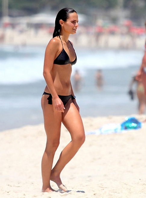 Nightly Treat: Jordana Brewster