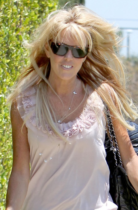 Dina Lohan Won't Attend Any Counseling At The Betty Ford Because She Thinks Michael Lohan Is Using Lindsay For Her Fame...Funny