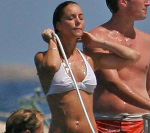 The Future Princess/Queen Of England: Kate Middleton In A Bikini