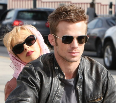 "Are Christina Aguilera And Her ""Burlesque"" Co-Star Cam Gigandet Bumping Uglies?"