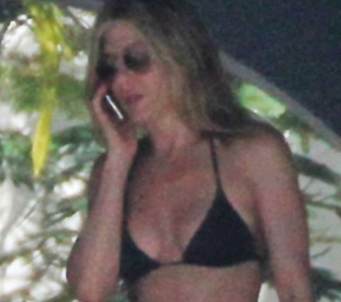 Jennifer Aniston Hot 41-Year-Old Bikini Bod