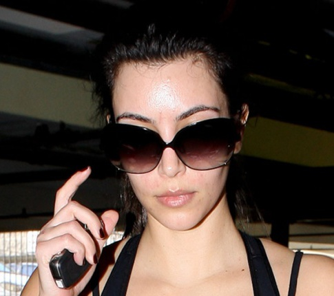 Breaking News: Kim Kardashian Without Makeup (The Horror!)