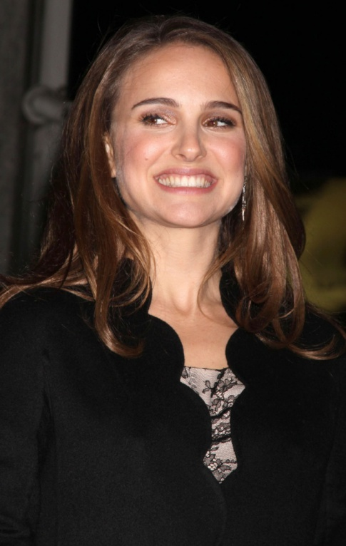 Natalie Portman Is Knocked Up And Engaged