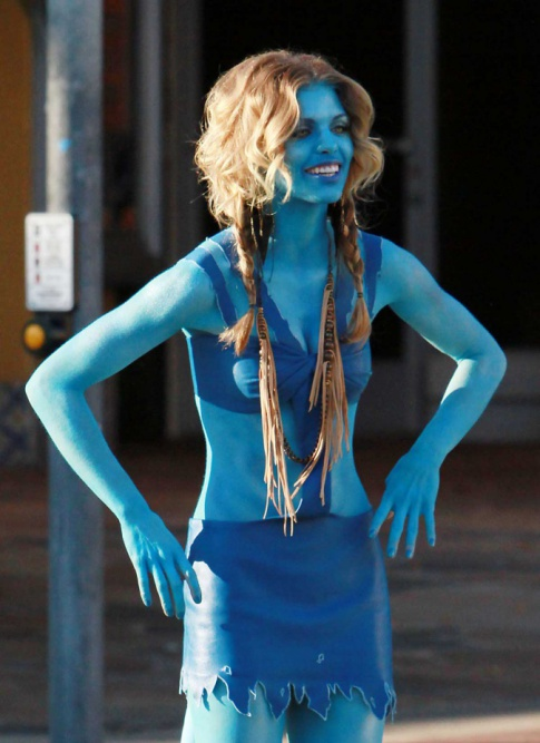 "AnnaLynne McCord Dressed Up Like A Na'vi From ""Avatar"" On ""90210"" Set"