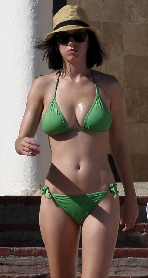 Katy Perry Used To Hate Her Big Boobs