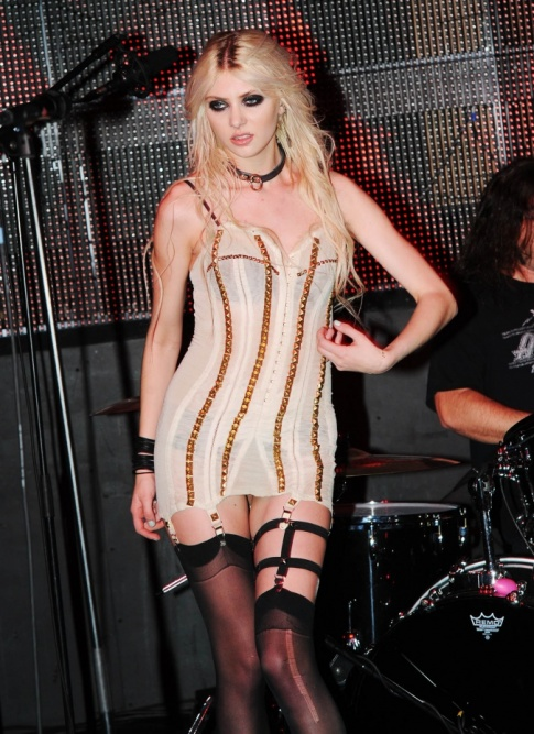 Nightly Treat: Taylor Momsen