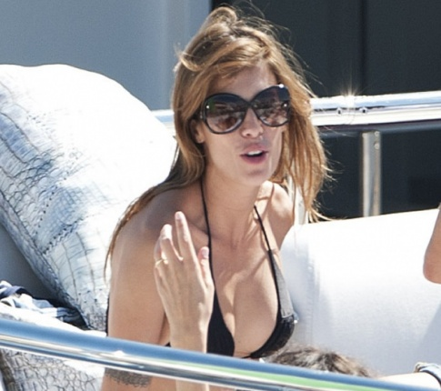 Elisabetta Canalis Is Smoking Hot In Cannes