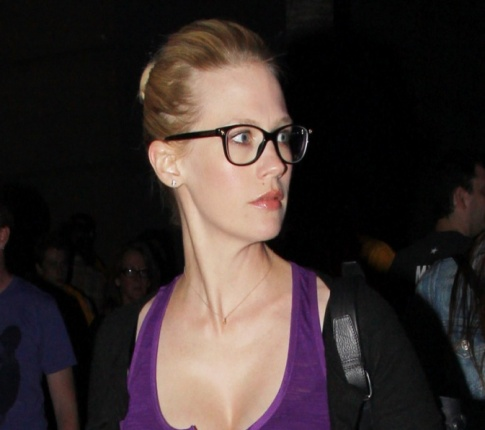 Hey January Jones, Zach Galifianakis Doesn't Like You