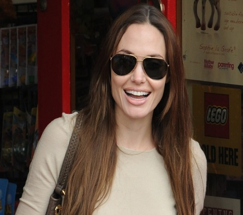 Makeover Madness: Angelina Jolie's A Tooth Pick