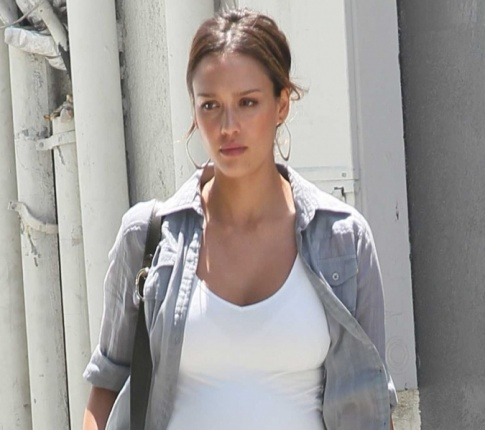 Jessica Alba Says She'll Starve Herself Post Baby